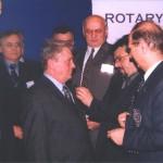 Gosp. Miladin Vidić prima Rotary značku